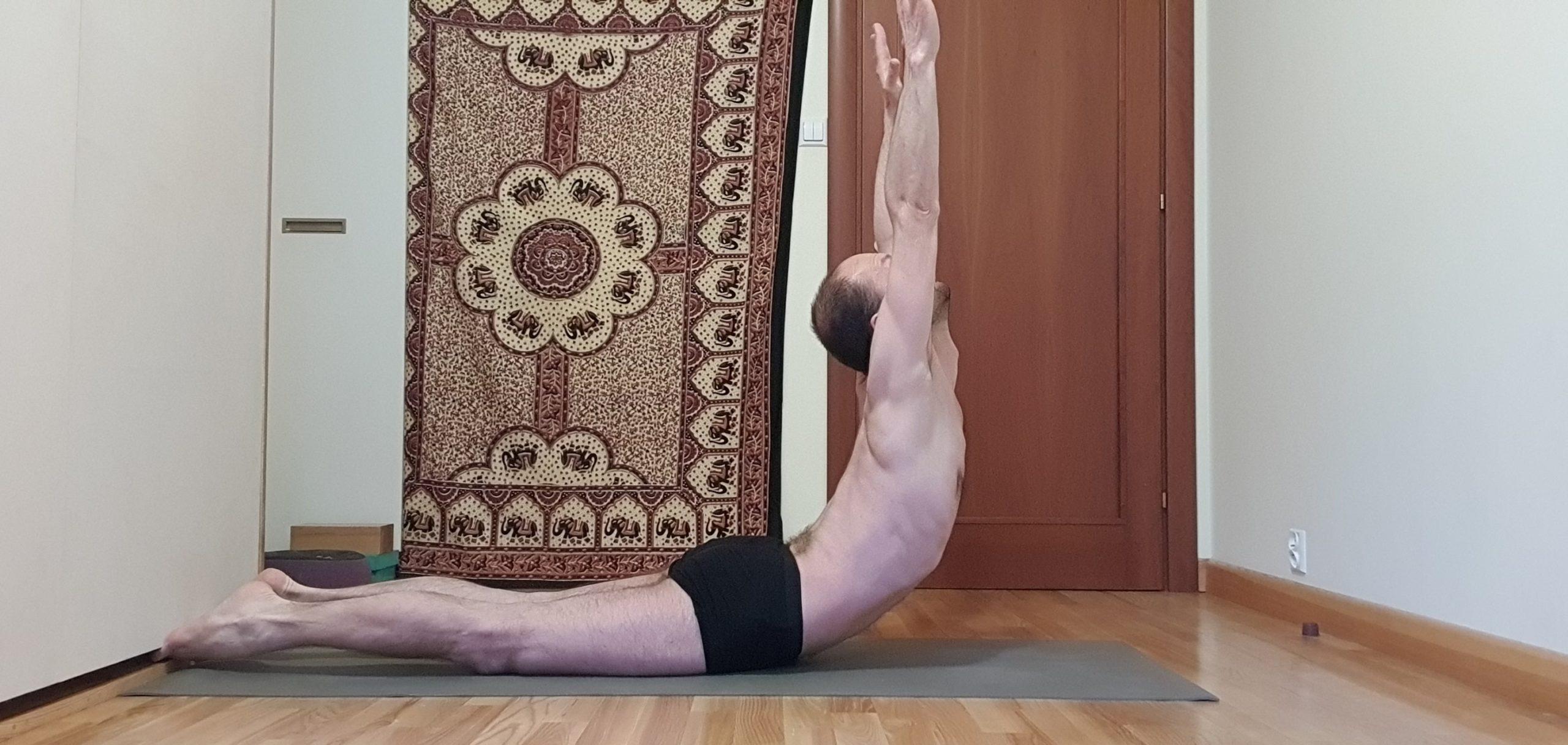Joga online. Leszek Kawa – jak ćwiczyć jogę?